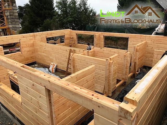 hausbau f r deutschland lindt fertig blockhaus holzh user fertigh user kfw. Black Bedroom Furniture Sets. Home Design Ideas