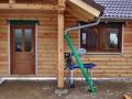 Holzhaus aus Rundbalken